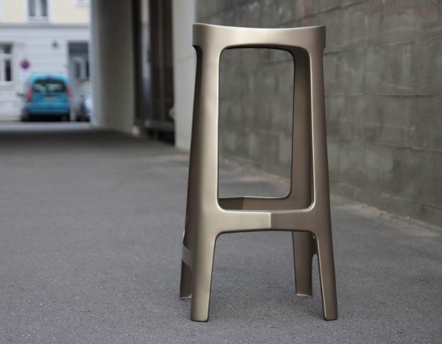 Barstool Kanji in metal tin with wooden seat