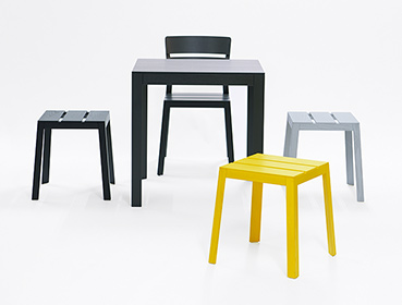 Satsuma family, Produktfamie, Satsuma chair, Satsuma stool, Satsuma table, Stuhl, Hocker, Tisch, Farben Schwarz, Gelb, Grau, stool stackable, Hocker gestapelt